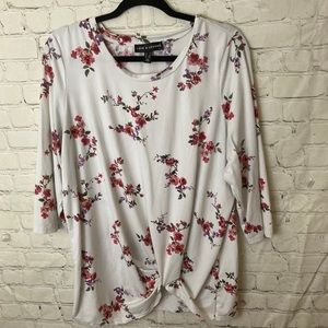 Love and legend floral top with knot